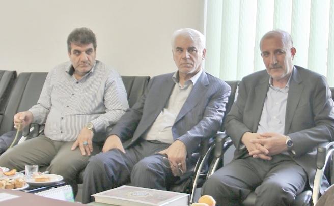 آقایان نماینده :  اکبریان ، کولیوند و بهمنی ، به مطالبات به حق مردم پاسخ دهید